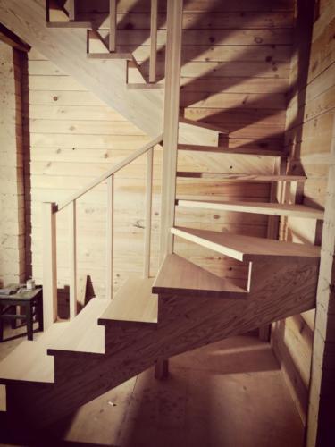 №19(4) (г. Красноярск, п. Овинный). Лестницы из массива лиственницы. Без покраски.