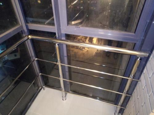 №20 Ограждение балкона. Хромированные элементы